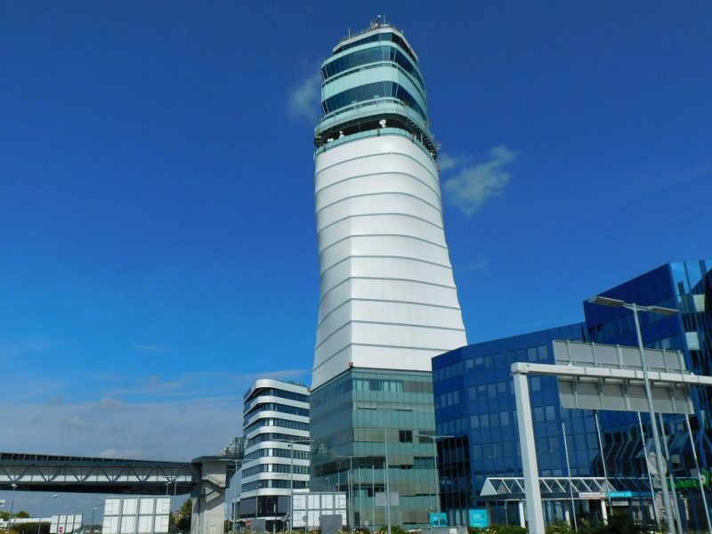 Tower am Flughafen Wien (Foto: René Steuer).
