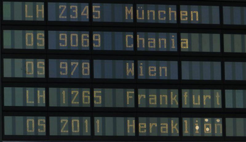 Anzeigetafel am Flughafen Graz (Foto: René Steuer).