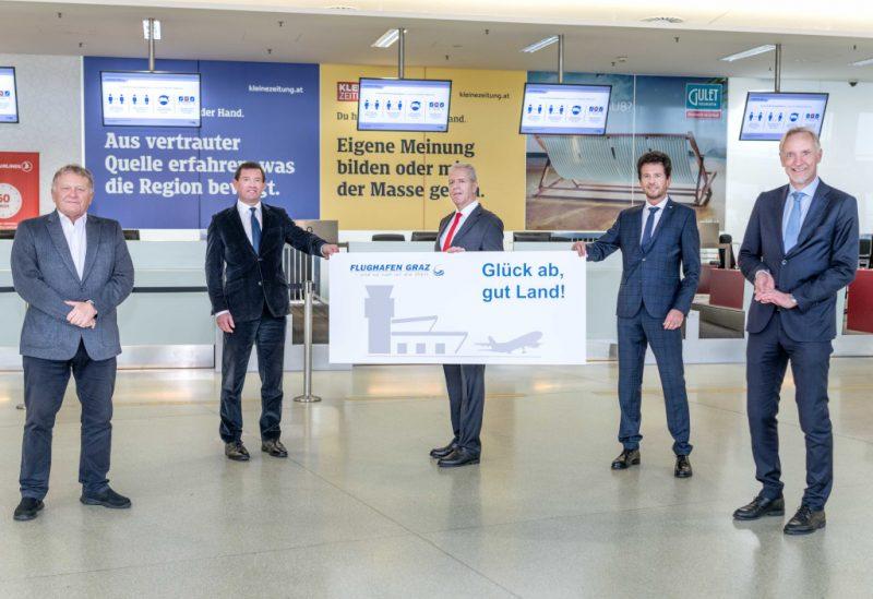 v.l.n.r. DI Wolfgang Malik, Vorstandsvorsitzender der Holding Graz, Mag. Jürgen Löschnig, Mag. Gerhard Widmann, Wolfgang Grimus/EMBA, Stadtrat Dr. Günther Riegler) (Foto: 8010/Hinterleitner).