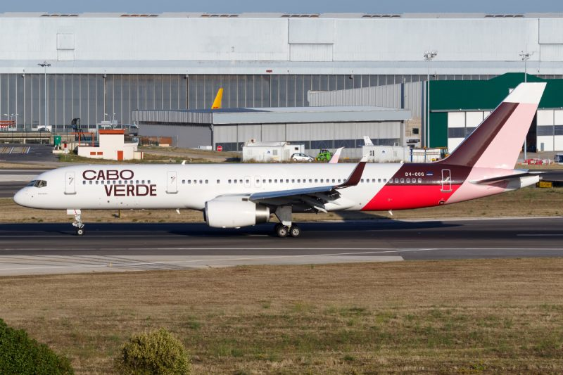 Boeing 757-200 (Foto: V1Images.com/Matteo Lamberts)
