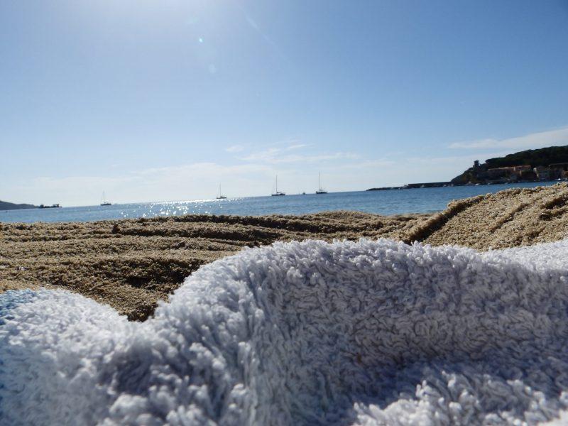 Strand in Marina di Campo, Elba (Foto: René Steuer).